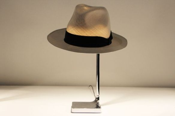 Chapeau Light 2