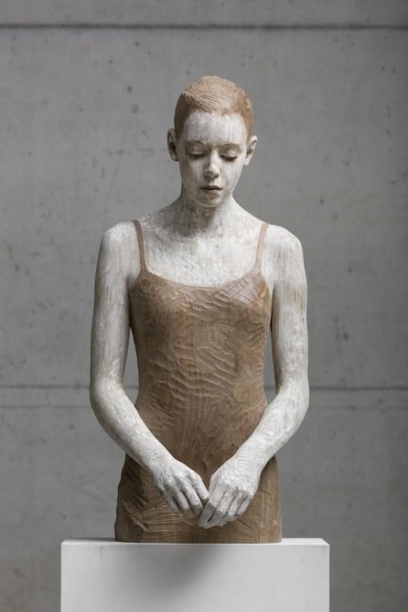 walpoth mujer vestida