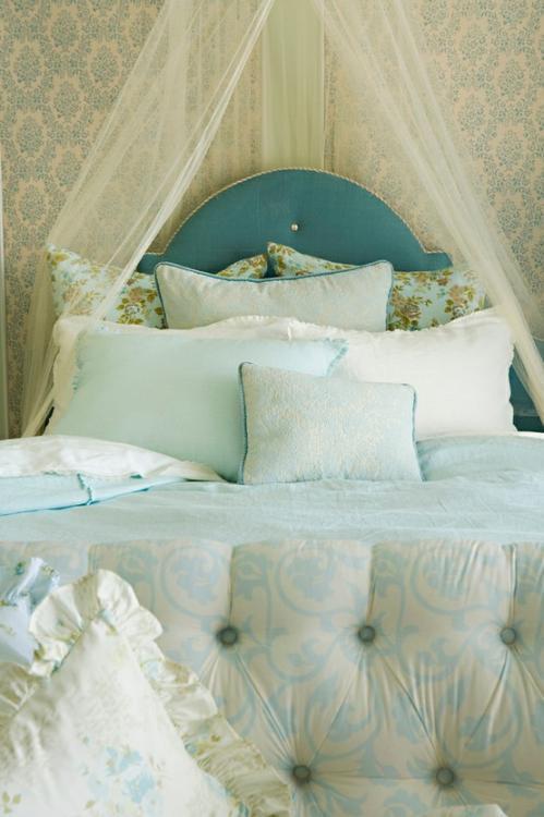 dormitorio cama verde