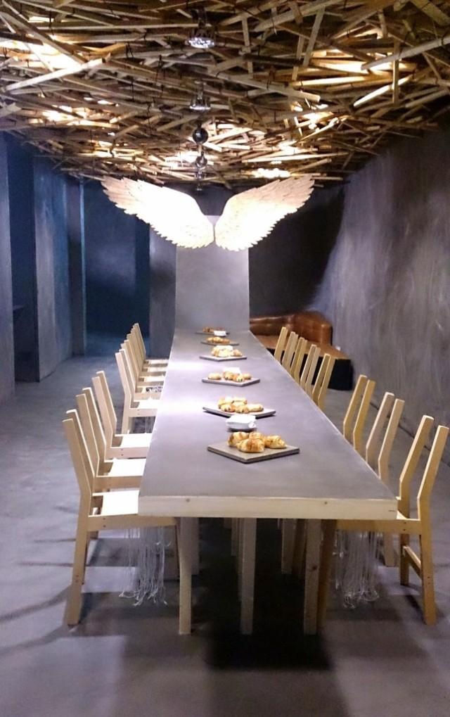 'Café de en sueños' suelos y paredes revestidos por Topcret, especialistas en microcemento de alta calidad.