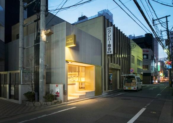 case-real-wine-and-sweets-shop-tsumons-fukuoka-japan-dintelo-01