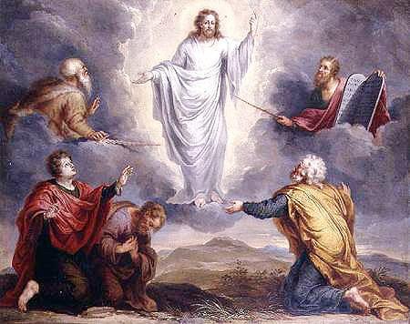 Resultado de imagen para Texto del Evangelio (Mc 9,2-10): En aquel tiempo, Jesús tomó consigo a Pedro, Santiago y Juan, y los llevó, a ellos solos, aparte, a un monte alto. Y se transfiguró delante de ellos, y sus vestidos se volvieron resplandecientes, muy blancos, tanto