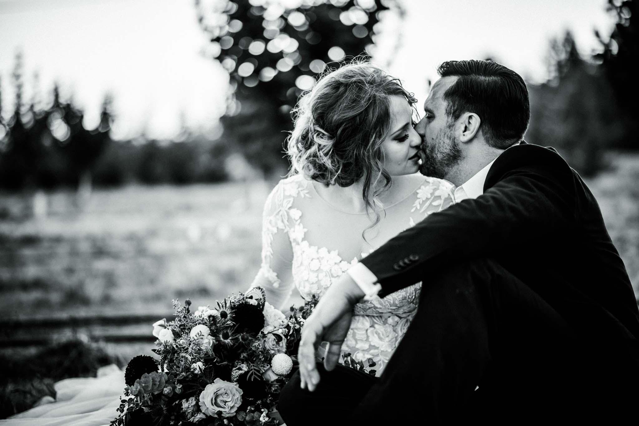 Green Villa Barn Wedding1
