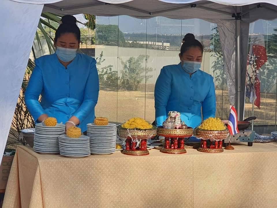 Preparação de sobremesas na Embaixada do Reino da Tailândia em Brasília