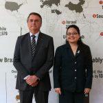 Presidente Bolsonaro e Encarregada de Negócios Leliani Feliciano, das Filipinas