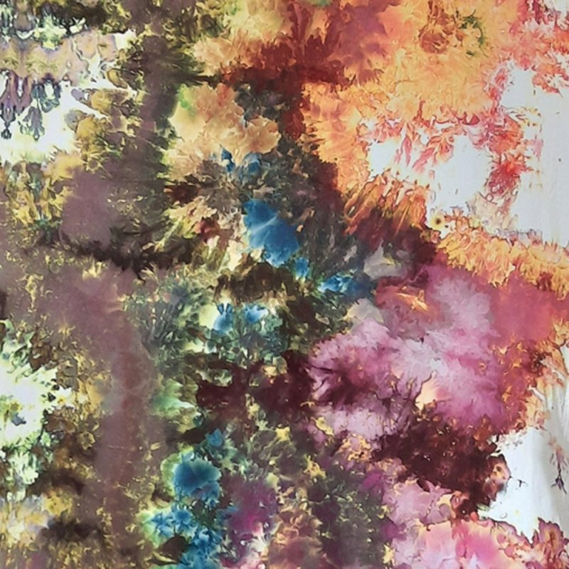 Multicolored and white snow-dyed full width