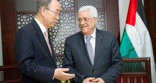 Ban Ki-moon y Mahmoud Abbas en Ramallah. Foto: ONU/Rick Bajornas