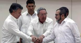 Juan Manuel Santos y las FARC firman histórico acuerdo