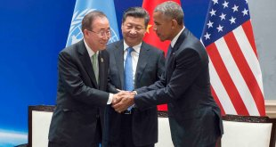 Ban Ki-moon (izq.) junto al Presidente de China, Xi Jinping y el Presidente estadounidense, Barack Obama (dcha.) Foto ONU: Eskinder Debebe