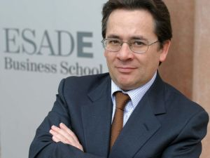 Javier Busquets Profesor y Director del Executive Master en Digital Business ESADE Business and Law School