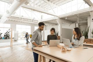HP busca reinventar el lugar de trabajo con múltiples soluciones.