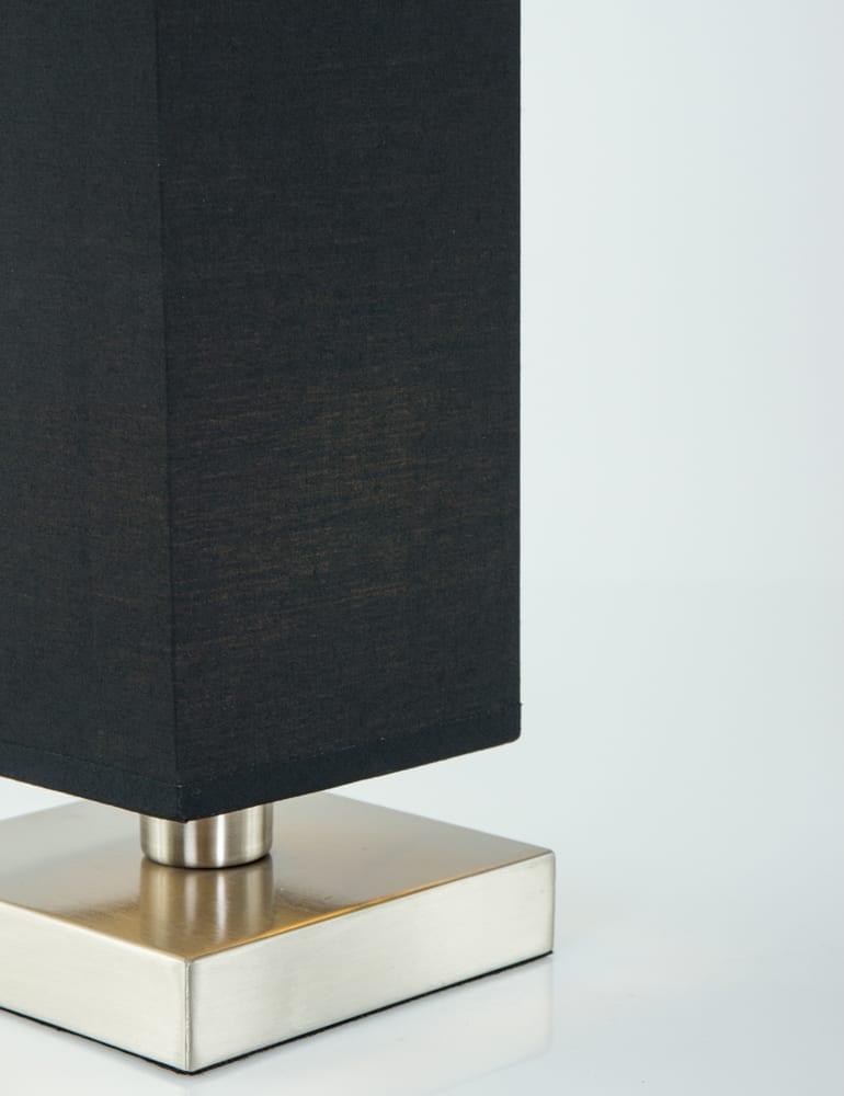 elegant with nachtkastje lamp dimbaar
