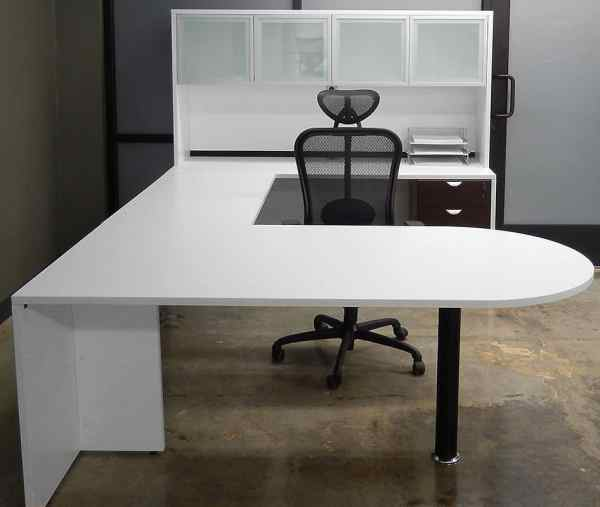 U-shaped Desk with Hutch