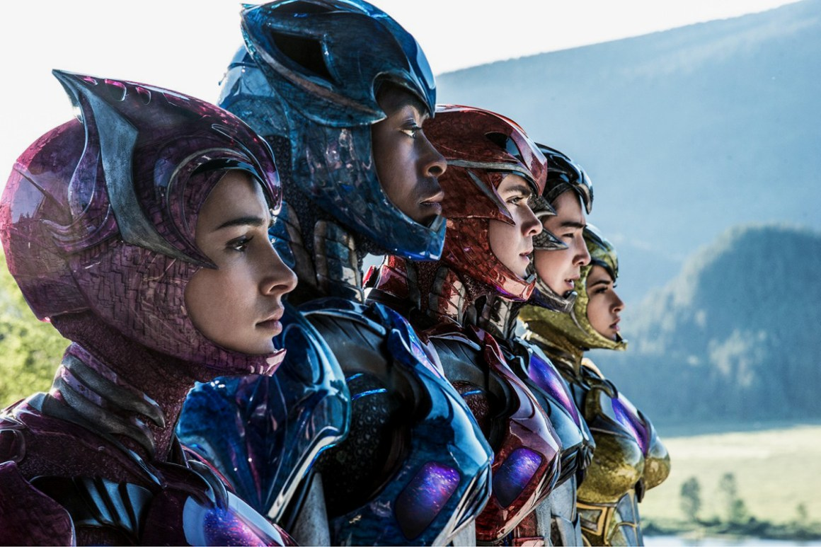 closer-look-power-rangers-costumes-002