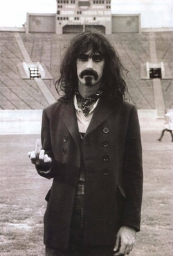 th_250_1000_FrankZappa1967London