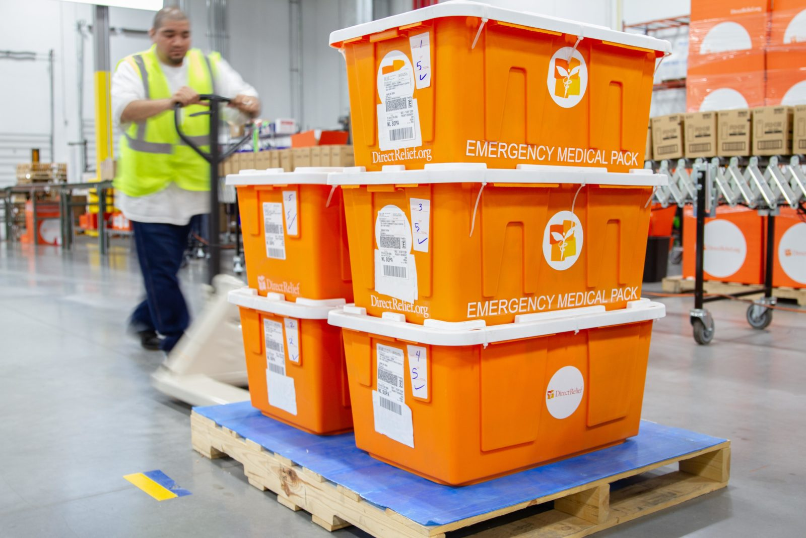 Emergency Medical Packs bound for Dunn, North Carolina, leave Direct Relief's warehouse in the aftermath of Hurricane Florence. (Lara Cooper/Direct Relief)