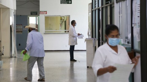 At the height of the pandemic in May, nine people would die on a daily basis at the IMSS hospital in Zacatepec, Morelos. (Felipe Luna for Direct Relief)
