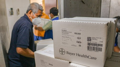 NGO Fusal organizes incoming medical aid from Direct Relief in Dec. 2020. Last week, the organization received $32.9K worth of medical support for partner health facilities providing care in El Salvador. (FUSAL photo)