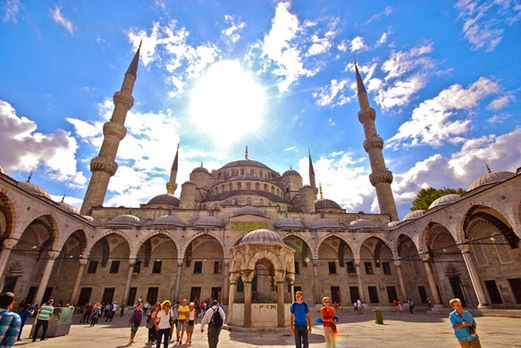 Marvel at the unique architecture of Istanbul 1
