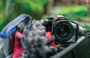 panasonic-dmc-fz2500-lifestyle