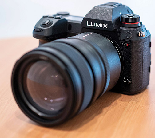 Panasonic Lumix S1R left_1