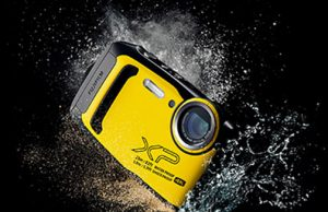 Fujfilm-XP140-yellow-wetBanner