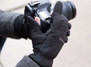 ProMaster-Photo-Gloves_lifestyle