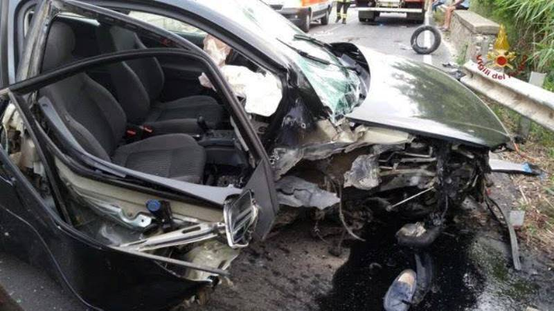 Terribile incidente in autostrada: bilancio tragico
