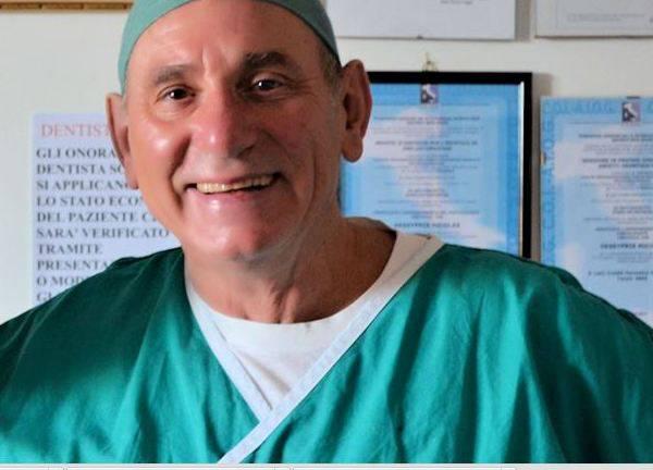 Il dentista che cura gratis chi non può pagare
