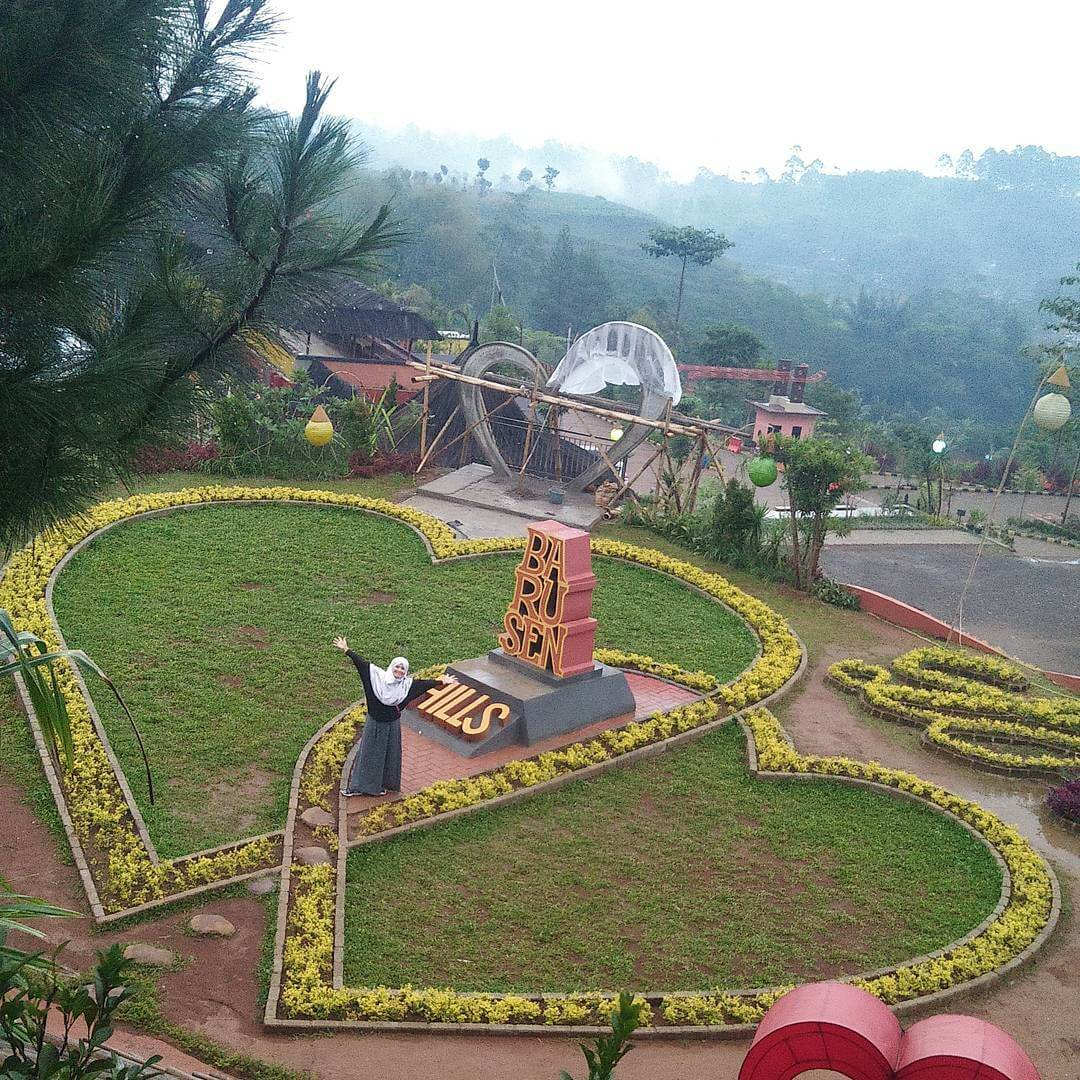 Love and Romanticism in Barusen Hills, Ciwidey, South Bandung