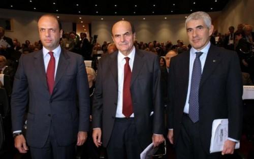 Alfano, Bersani e Casini: inciucio all'italiana
