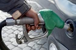 accise benzina anteprima 600x399 536212 e1338513013178 Il gioco sporco del governo sulle accise