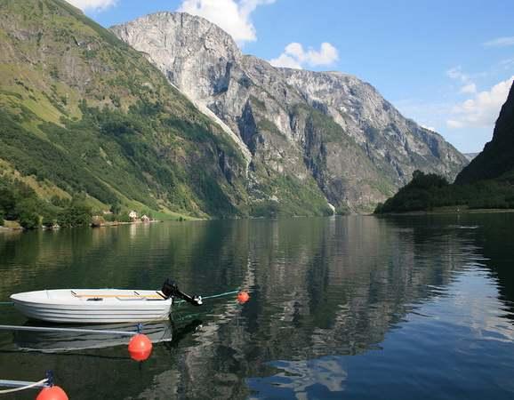 Naeroyfjord Narrowest Fjord
