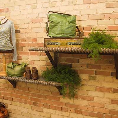 sole-mate-head-footboard-shelves-01