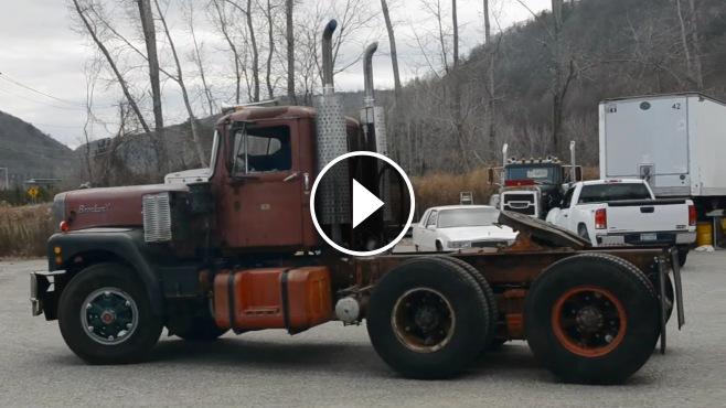 The Coolest Truck Sound Ever 12v71 Detroit Diesel