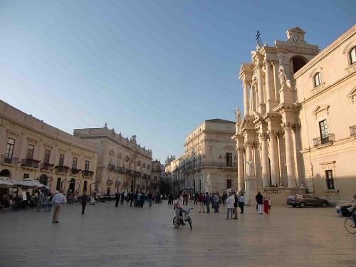 Siracusa Ortigia Piazza del Duomo