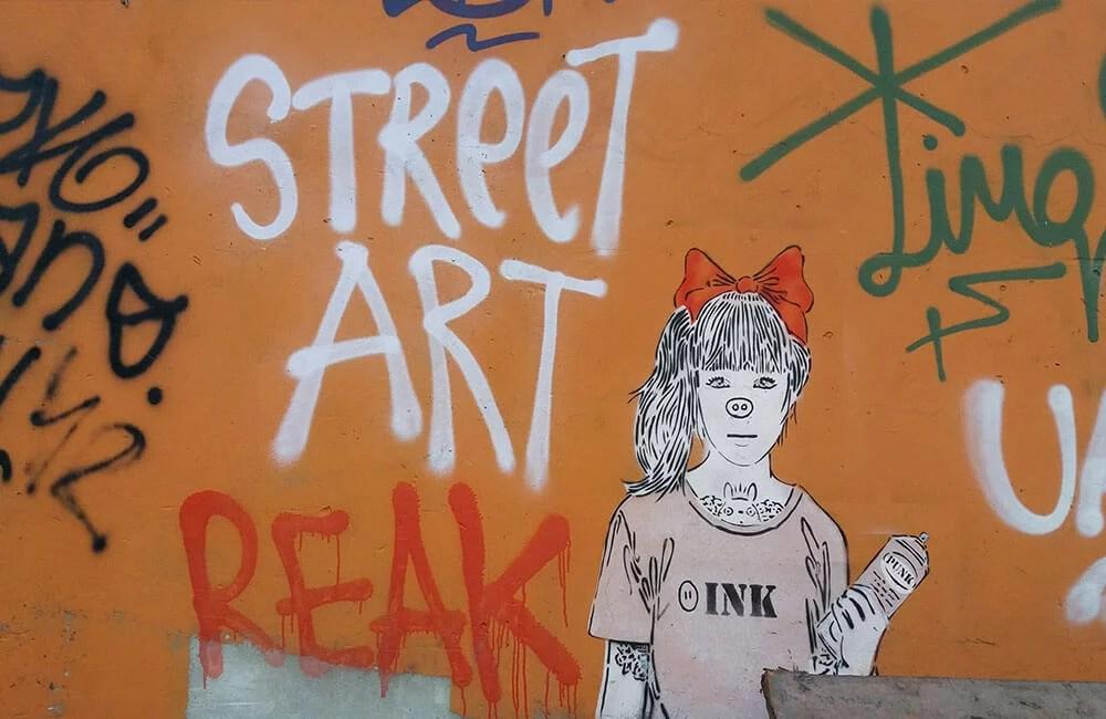 Come-vengono-strappati-i-graffiti-dai-muri