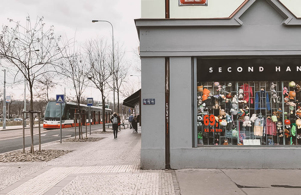 Holešovice, Praga 7 - Second Hand Market