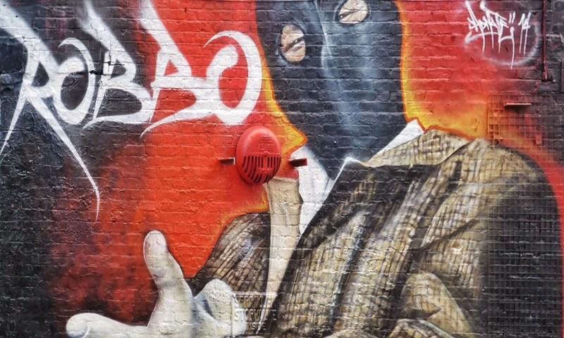 Copertina-King-Robbo-vs-Banksy