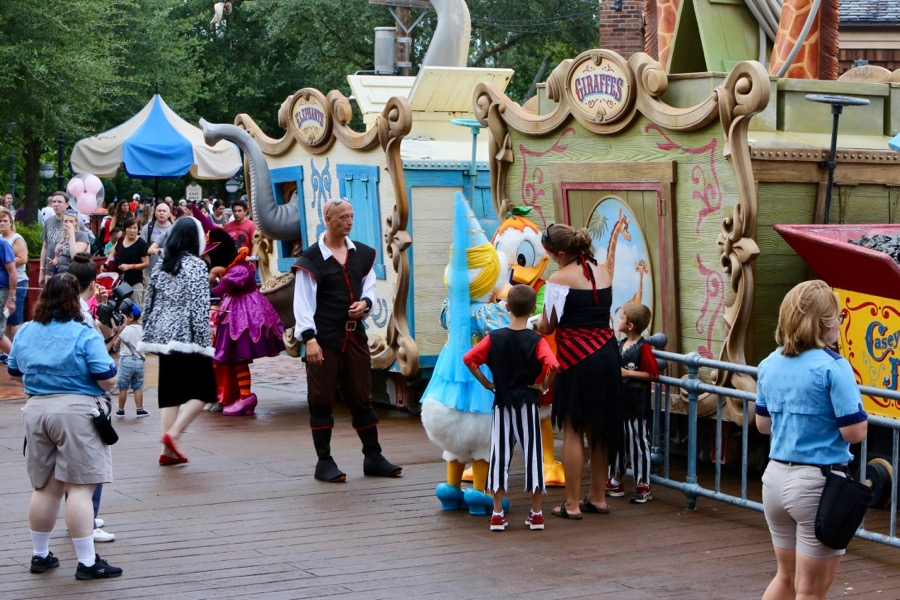 Mickeys-Not-So-Scary-Halloween-Party-2017-023 | The DIS Disney Discussion Forums - DISboards.com