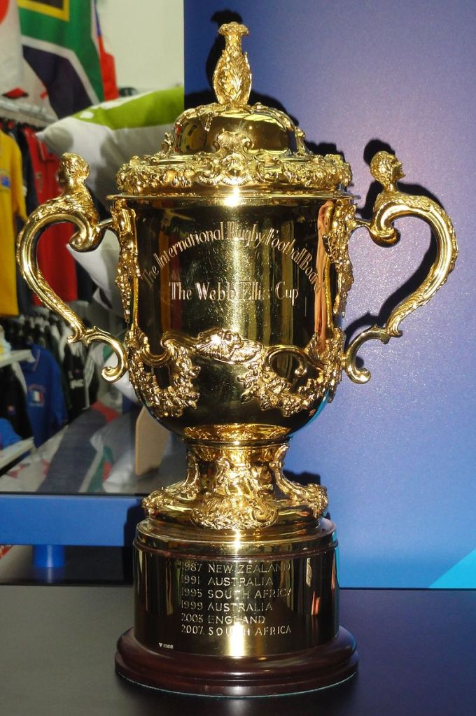 800px-Rugby_World_Cup_Trophy