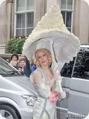 Gaga-Umbrella_thumb.jpg