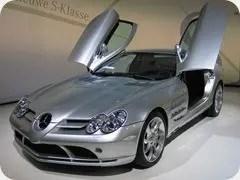 Mercedes-Benz_SLR_McLaren_2_cropped_thumb.jpg