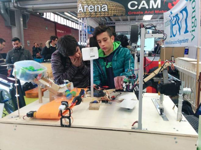 """foto 1 Al via le """"Olimpiadi robotiche"""" a Vicenza: le scuole cittadine in gara. Sfida tra programmatori in erba"""