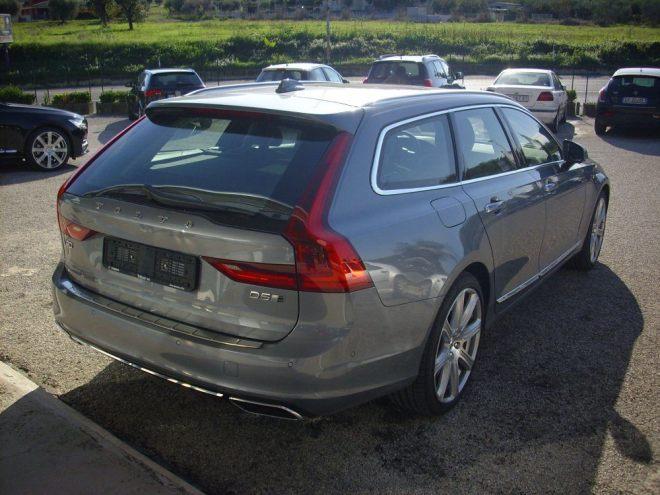 v902 LO SPAZIO E LUSSO Volvo V90