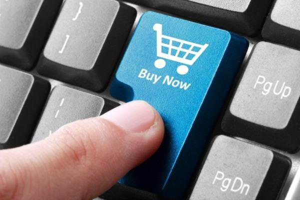 Ecco come gli italiani acquistano online