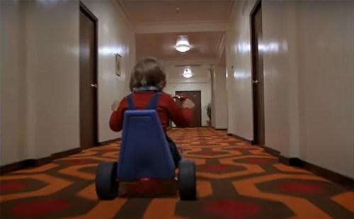 Escher infinito - la moquette dei corridoi dell'Overlook Hotel