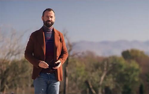 Fabio Volo è Paolo Martinelli, protagonista di Genitori vs influencer