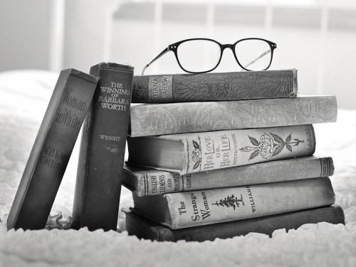 Una pila di libri