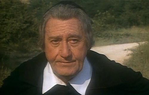 Don Abbondio, interpretato da Alberto Sordi, nei Promessi sposi targato Rai del 1989
